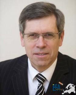 Dr. Christian Haid